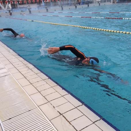 Díky bazénu Podolí měli kluci dráhu jen pro sebe
